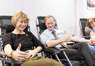 Nụ cười rạng rỡ của các đại sứ khi hiến máu trước Tết Nguyên đán cứu người bệnh Việt Nam