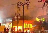 Quán cà phê ở thành phố Vinh bốc cháy trong đêm