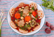 Canh súp củ sen tẩm bổ ngày cuối năm