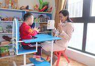 """Cô giáo trẻ mở cánh cửa cuộc đời cho những em bé """"đặc biệt"""""""