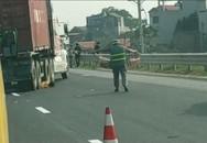 Hà Nội: Căng dây phân làn đường trên cao tốc, nam công nhân bị xe container tông tử vong