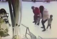 Bé gái suýt bị bắt cóc trước mặt dì ở trung tâm thương mại
