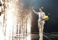 1 năm đăng quang HH Hoàn vũ Việt Nam, H'Hen Niê hỏi 'Bạn nghĩ gì về tôi' và lời hồi đáp từ Phạm Hương