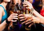 Bia và rượu, cái nào hại sức khỏe hơn?