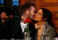 Vợ chồng David Beckham khóa môi ngọt ngào như chưa từng có những tin đồn thất thiệt về hôn nhân
