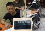 Lái xe ôm cướp giật 'nhanh như chớp' trên phố Hà Nội