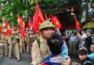 Xúc động khoảnh khắc tái hiện đoàn quân giải phóng về tiếp quản Thủ đô