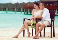 """""""Gái hai con"""" Phạm Ngọc Thạch diện bikini khoe vóc dáng gợi cảm trên biển"""
