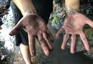 Phát hiện xe tải 2,5 tấn đổ trộm dầu thải ở khu vực đầu nguồn nước sông Đà
