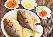 Cơm hết veo với món cá chim biển chiên chấm mắm gừng