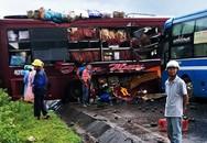 Hai xe khách đâm nhau, 7 người bị thương