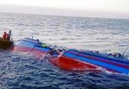 Cứu sống 12 người trong vụ chìm tàu ở Hà Tĩnh