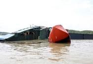 Chìm tàu trên biển ở Hà Tĩnh, cứu được 2 người, 10 người đang mất tích