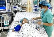 """Suy hô hấp nguy kịch, bé 30 tháng được hồi sinh nhờ """"tim, phổi nhân tạo"""""""