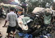 Xe hổ vồ và xe ô tô 16 chỗ tông nhau, 2 tài xế nguy kịch