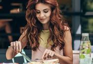18 quy tắc lịch sự trên bàn ăn không phải ai cũng biết