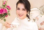 """Thanh Mai giữ mãi vẻ đẹp tuổi đôi mươi trong căn biệt thự trắng """"khổng lồ"""""""