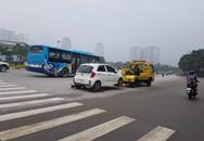 """Nghi vấn có liên minh """"chặt chém"""" giá cẩu xe vi phạm giao thông ở Hà Nội?"""