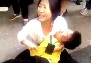 Gã tâm thần tấn công dã man cậu bé 9 tuổi suốt 30 phút đến chết nhưng không một ai can ngăn vì nghĩ là người cha đang dạy dỗ con trai