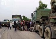 Trên đường đi học về, 2 nữ sinh bị xe container tông nguy kịch