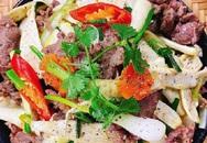 """Củ niễng xào thịt bò: Món ăn lạ vị """"bừng sáng"""" cả mâm cơm chiều"""
