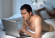 Phát hiện chồng thích xem 'phim đen' trong giờ làm