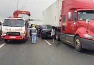 Cao tốc TP.HCM - Dầu Giây ùn tắc 10 km sau tai nạn liên hoàn