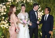 """Trường Giang, Nhã Phương xúc động trong đám cưới """"có một không hai"""" của Hoàng Oanh"""