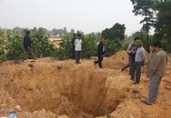 Cận cảnh những hố sâu khổng lồ chôn chất thải độc hại ở Sóc Sơn