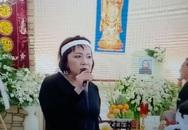 Em gái trách danh ca Elvis Phương thiếu trách nhiệm ở lễ tang mẹ