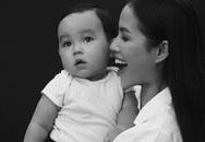 """Con trai Hoa hậu Phạm Hương khiến mẹ """"ra rìa"""" vì quá đáng yêu"""
