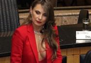 Nữ nghị sĩ bị dọa cưỡng bức vì mặc 'bỏng mắt' tới quốc hội