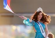 Sự cố hi hữu trong lịch sử Miss Universe: Đang diễu hành, Hoa hậu làm vỡ vương miện 6 tỉ