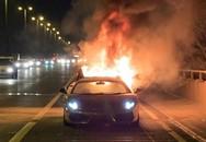 Suýt mất mạng khi xe mạ vàng 164.000 USD bất ngờ phát nổ