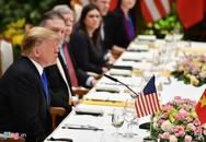 Ông Donald Trump thưởng thức chả cá, nem Hà Nội