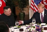 """Tổng thống Donald Trump viết Twitter: """"Bữa tối tuyệt vời cùng ông Kim Jong Un ở Hà Nội"""""""