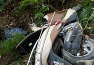 Bàng hoàng phát hiện đôi nam nữ đi xe máy lao xuống vực sâu ở Tam Đảo