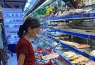 Thịt gà, vịt nguyên con, rau củ 'cháy hàng' chỉ sau một giờ ở Sài Gòn