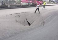 """Phong tỏa 1 phần tuyến đường QL18 đi Cẩm Phả vì hố """"tử thần"""""""