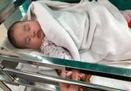 Người dân phát hiện bé gái bị bỏ rơi ngay tại khoa sơ sinh vào ngày 8/3