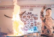 Nhóm nhạc bị tố cáo đốt sách vở của học sinh trường Amsterdam