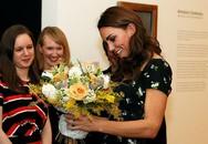 Kate hội ngộ nhà Becks khi dự tiệc tối
