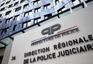 Thi xem ai rút súng trước, nữ cảnh sát Pháp bị đồng nghiệp bắn vào đầu