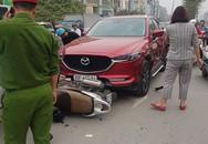 Mazda CX5 đâm liên hoàn ít nhất 5 xe máy