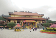 """Bà Yến biến mất sau lùm xùm """"thỉnh vong báo oán"""" ở chùa Ba Vàng"""