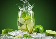 Có nên uống nước chanh để giải rượu?