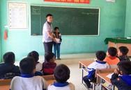 Nghệ An: Học sinh lớp 2 người Khơ Mú trả lại chiếc nhẫn vàng cho cụ già