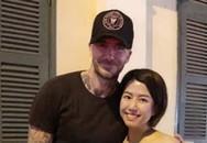 Beckham vui vẻ chụp ảnh cùng fan tại phố đi bộ ở TP.HCM