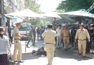 Kinh hoàng ô tô tông vào đám tang, ít nhất 2 người chết