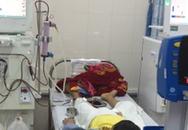 Bé trai bị viêm cầu thận nguy kịch do gia đình tự ngưng thuốc điều trị